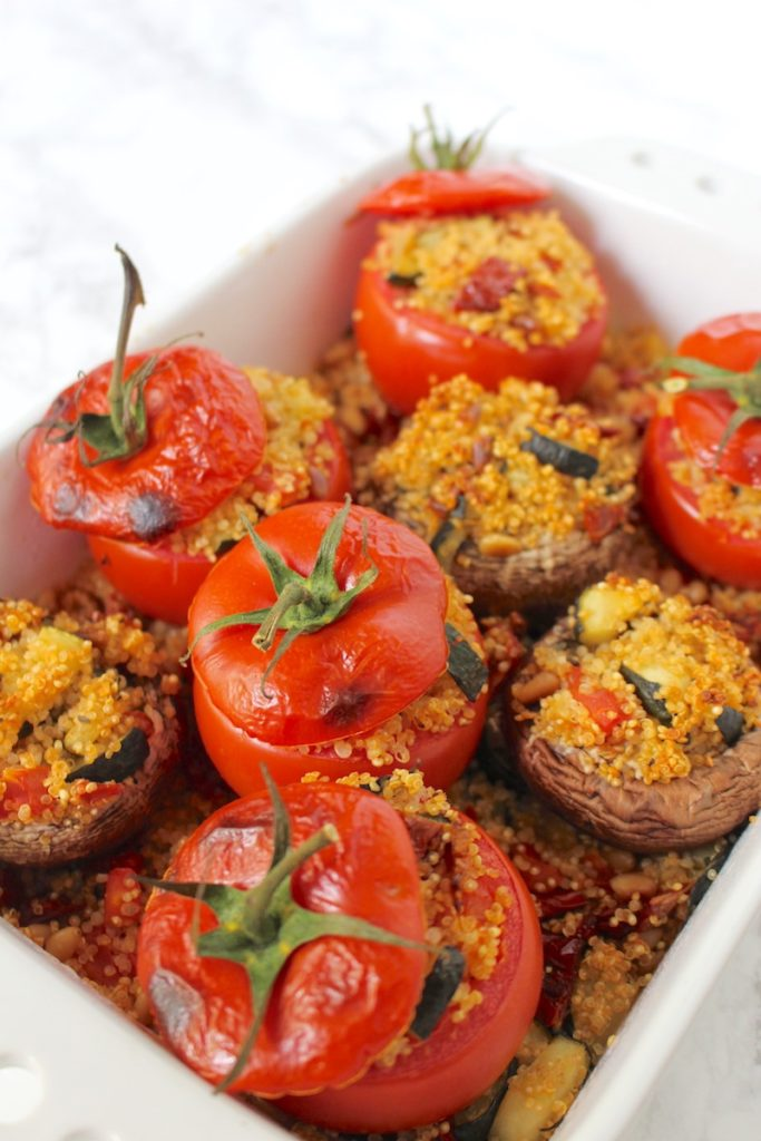 Gefüllte Tomaten - Portobello-Pilze mit Quinoa