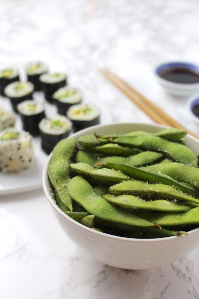 Edamame vegan Sushi Maki Uramaki