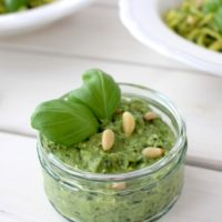 Pesto Avocado Basil vegan
