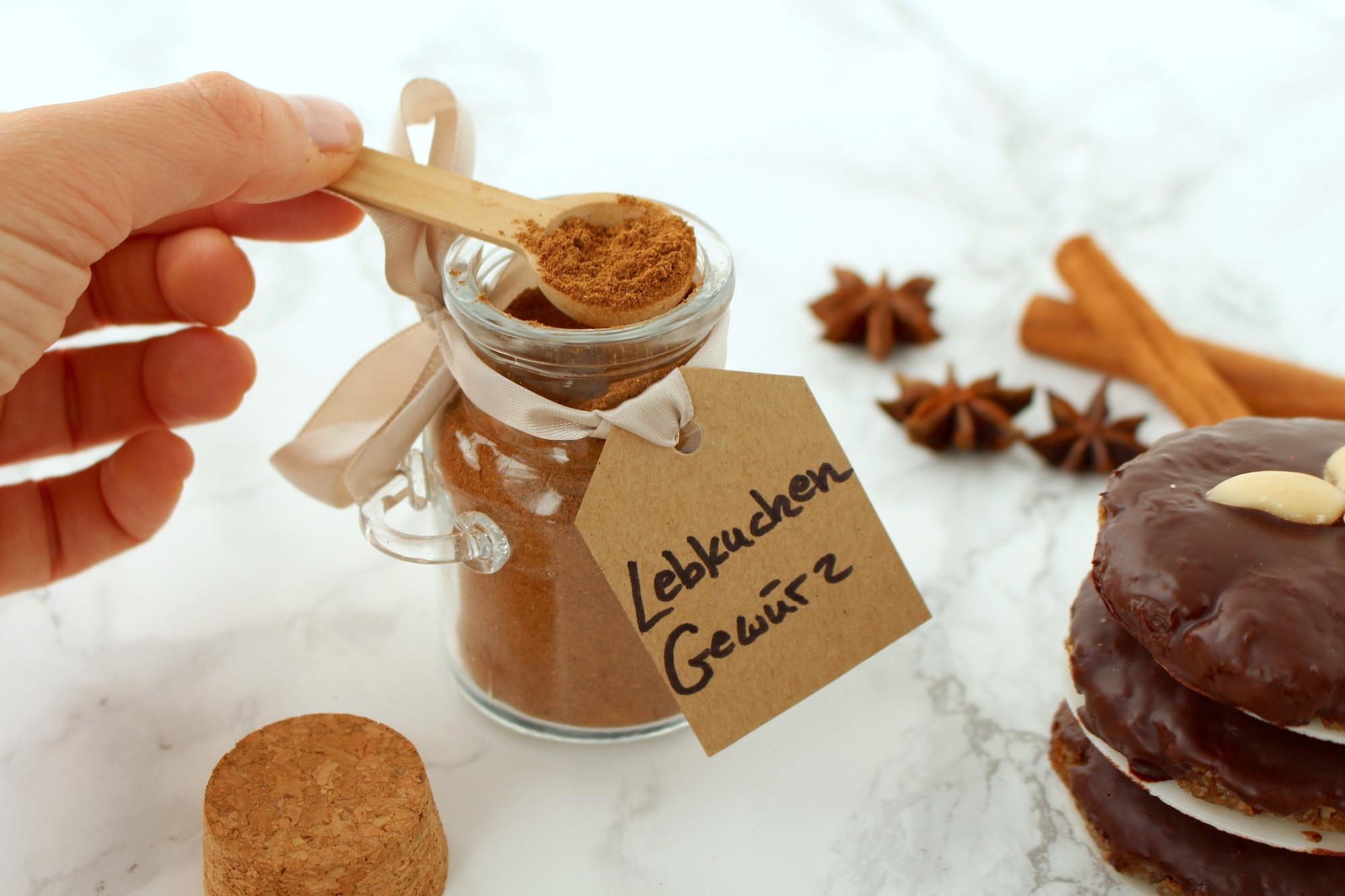 Lebkuchengewürz schnell & einfach selber machen (Geschenk