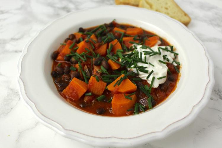 sweet potato black bean stew vegan Süßkartoffel Bohnen Eintopf