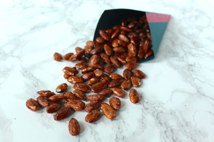 Gebrannte Mandeln Ahornsirup roasted almonds maple syrup