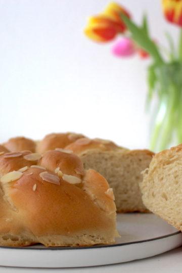 Hefezopf vegan braided yeast bread bun